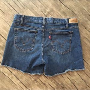 Levi Jean Shorts Excellent Condition